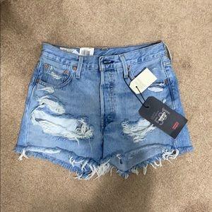 Levi's Shorts - NWT Levi's 501 distressed high rise shorts
